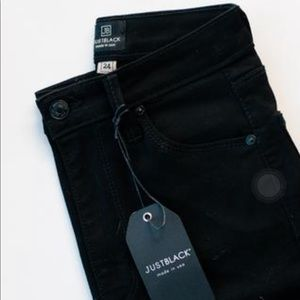 JUST BLACK jeans with frayed hem